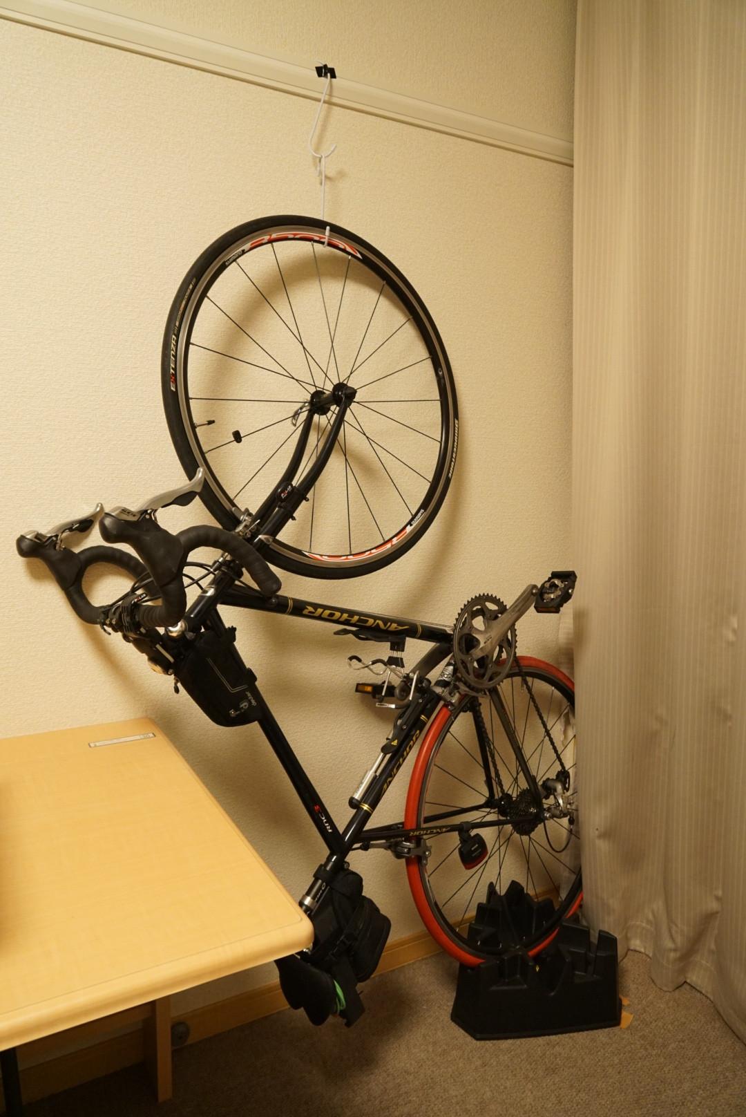 idle027_ロードバイクとタイヤをレオパレスの部屋の中で保管する方法