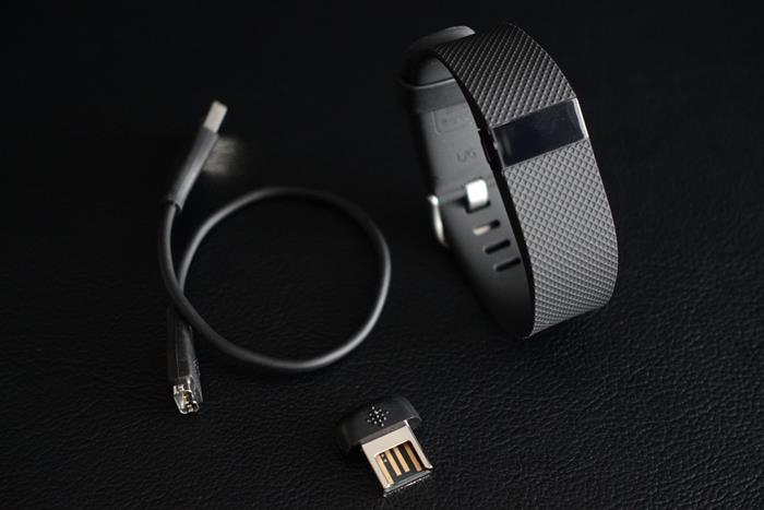 20150426_Fitbit-Charge-HR_2